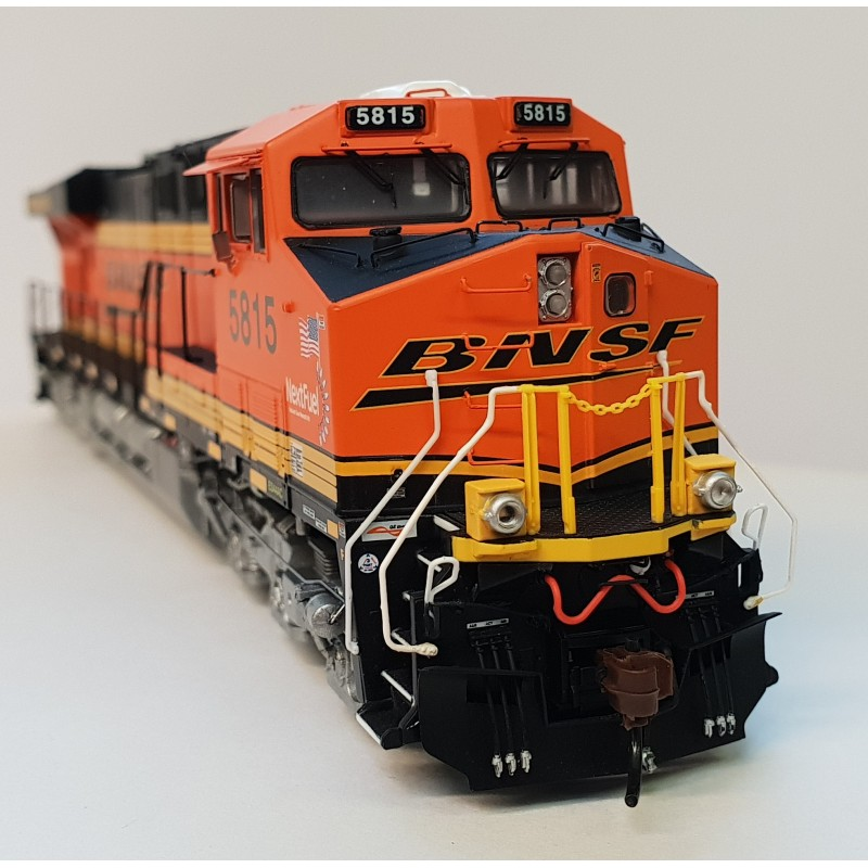 Athearn ES44AC's and Rapido F40PH NPCU Cabbages now in!
